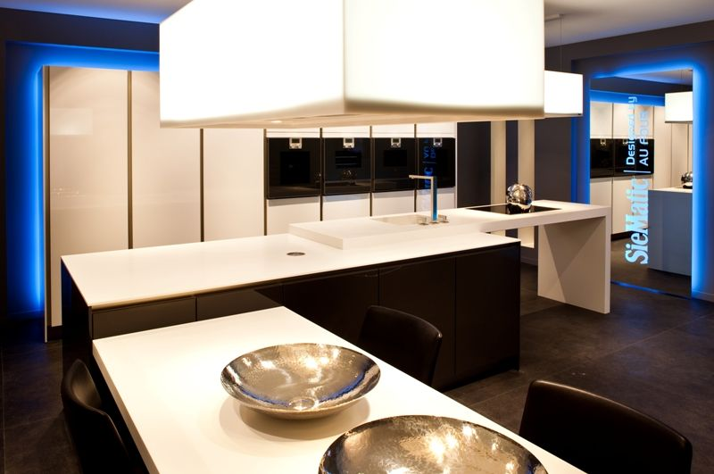 Siematic Keuken Corian : De voordeligste woonwinkel.. Luxe SieMatic S2 eilandkeuken [49592
