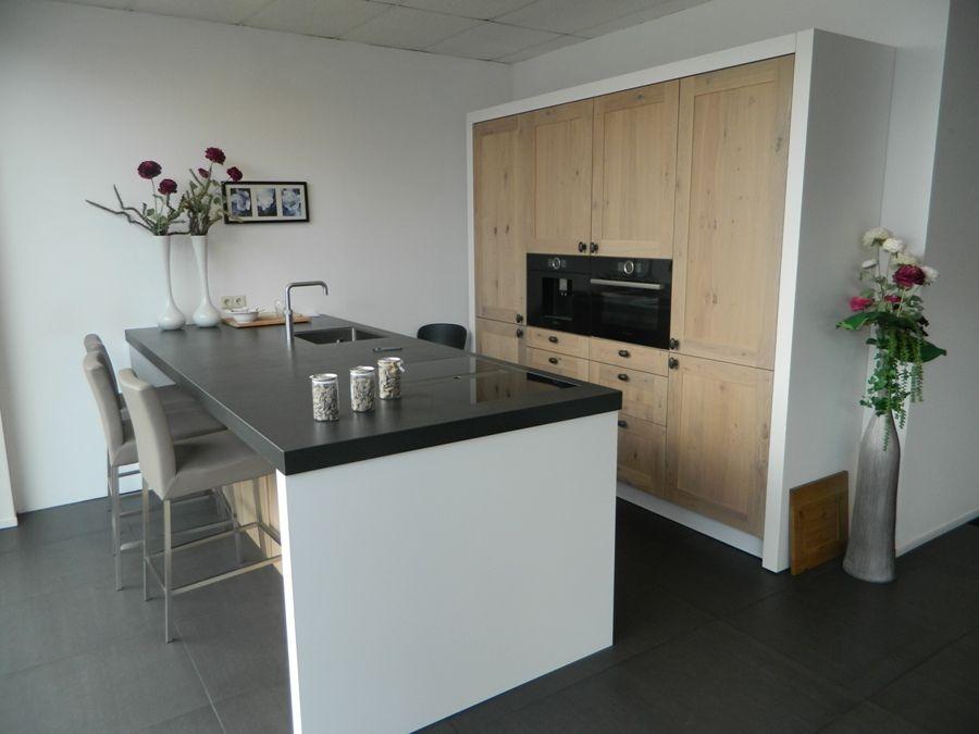 De voordeligste woonwinkel stoere massief houten keuken 55883 - Centrale eiland houten keuken ...